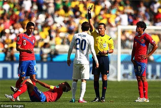 Trọng tài Haimoudi đã điều khiển 2 trận ở World Cup 2014 trong đó có trận Anh-Costa Rica