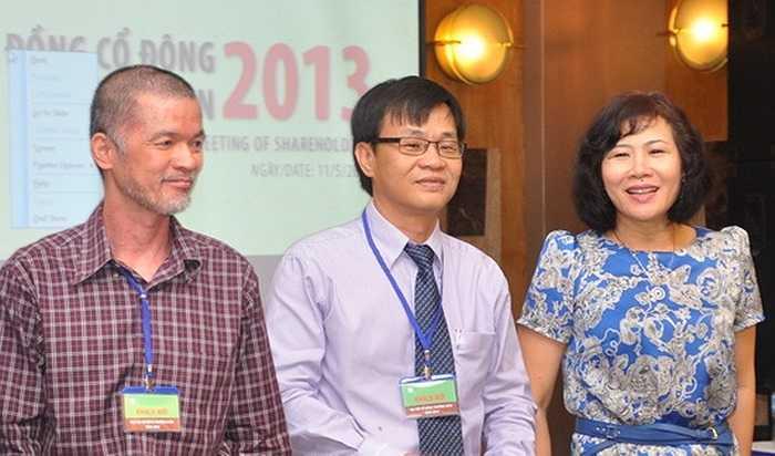 Ông nhận được sự trợ giúp đắc lực từ bà Nguyễn Hoàng Yến, vợ ông.