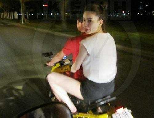 Cặp đôi có kỷ niệm đáng nhớ khi đèo nhau trên chiếc xe máy ấn tượng vào Tết năm 2012.