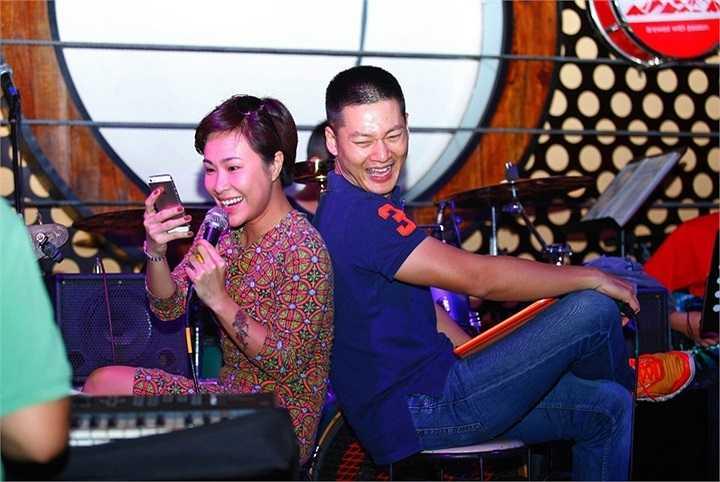 'Với tư cách là một người em, người bạn, Linh rất vui khi tham gia vào đêm nhạc lớn của người anh đồng môn này'