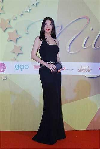 Dù đã ở tuổi 40, Hoa hậu thời trang Quốc tế Ai Cập 1988 vẫn đẹp rạng ngời.