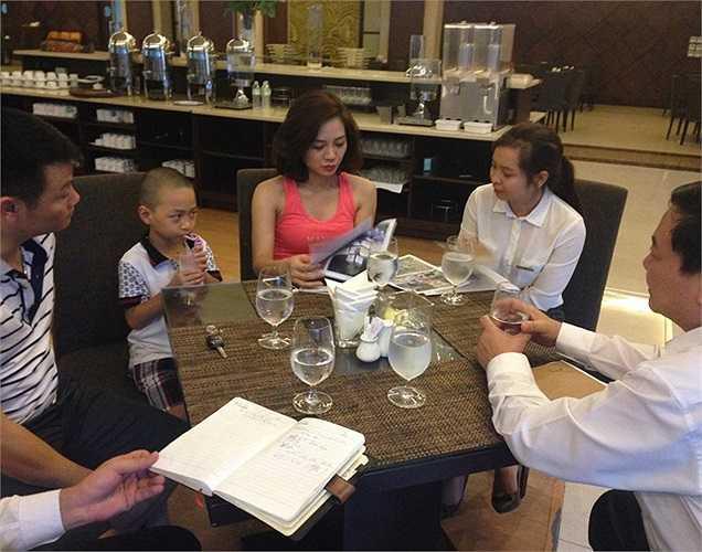 Để chuẩn bị cho đám cưới, cặp đôi rất cẩn thận trong việc chọn lựa địa điểm tổ chức đám cưới. Mường Thanh Sông Lam – khách sạn tiêu chuẩn 5 sao đầu tiên tại thành phố Vinh đã được chọn là nơi tổ chức lễ cưới cho cặp đôi này.