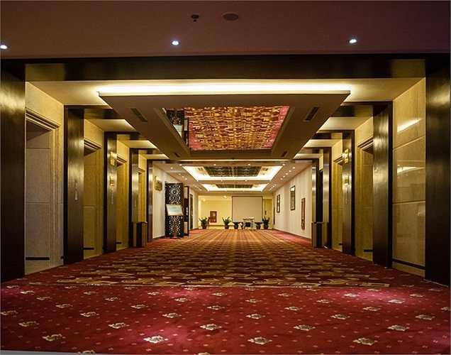 Mường Thanh Sông Lam là khách sạn quốc tê 5 sao với công trình kiến trúc nổi bật, có thiết kế tinh tế và hài hòa với cảnh sắc của thành phố Không gian sang trọng, đẳng cấp, dịch vụ tuyệt hảo và thân thiện