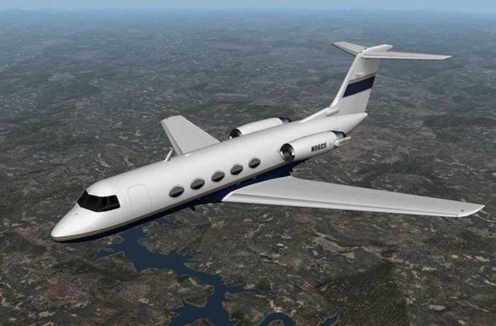 Năm 2001, hãng máy bay Tyler Jet đã rao bán một trong những chiếc Gulfstream II của mình trên eBay. Chiếc chuyên cơ cá nhân với 12 ghế ngồi này đã được bán với giá 4,9 triệu USD.