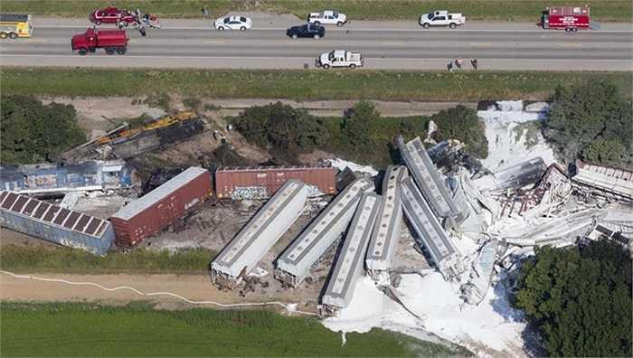 Hiện trường Hai tàu hỏa chở hóa chất độc hại đâm nhau ở bang Arkansas, Mỹ khiến 2 người chết và 2 người bị thương đêm 17/8