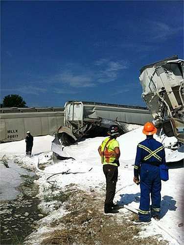 cChính quyền địa phương cho biết tai nạn xảy ra khoảng 3h sáng 18/8 ở thị trấn Hoxie, đông bắc bang Arkansas. Mỹ