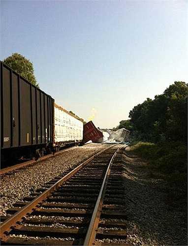 Hai tàu hỏa trên thuộc công ty đường sắt Union Pacific