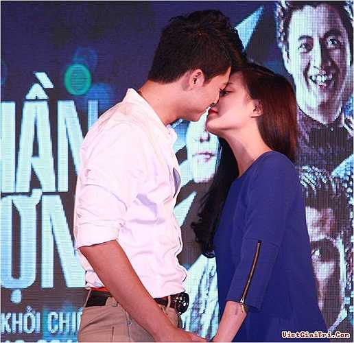 Cô chia sẻ: 'Mối quan hệ giữa tôi và Harry Lu chỉ đơn thuần là công việc.'