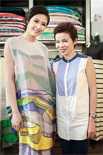 Chiều 17/8, cô đã có buổi thử đồ với nhà thiết kế Xuân Lê.