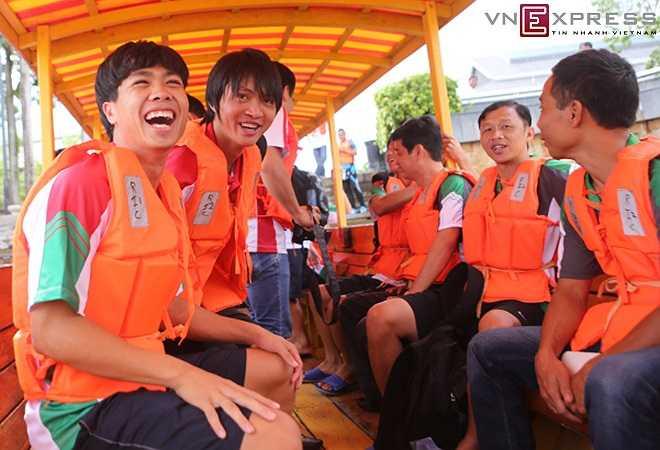 Kể từ ngày sang Brunei, đây là lần đầu đội được xả trại đi dã ngoại nên các cầu thủ rất vui vẻ, phấn khởi và hào hứng.