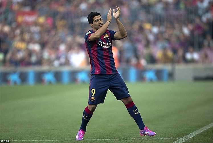 Suarez có trận đấu đầu tiên trong màu áo Barca ở trận tranh cúp Gamber đêm qua.