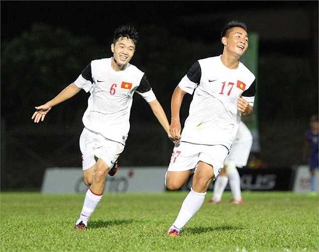 Tuấn Tài - Xuân Trường ăn mừng bàn thắng khai thông thế bế tắc cho ĐT U19 Việt Nam.