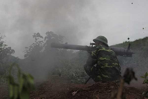 DKZ nổ súng tiêu diệt mục tiêu