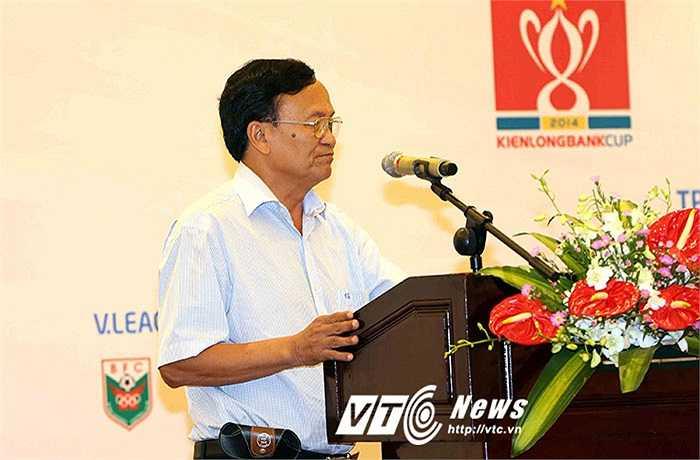 Ông Nguyễn Hồng Thanh, đại diện CLB SLNA là người nói nhiều nhất từ phía các CLB. Tuy nhiên, ông cũng chỉ nói cầm chừng và chung chung