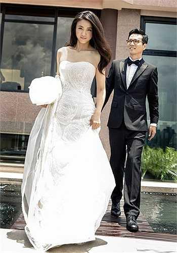 Bên cạnh đó, một bức hình Thang Duy đẹp lộng lẫy trong áo cưới cũng được công bố.