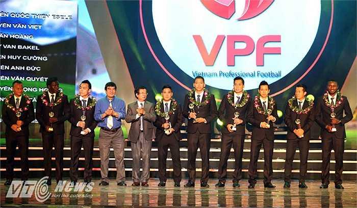 Còn đây là đội hình tiêu biểu của V-League 2014.