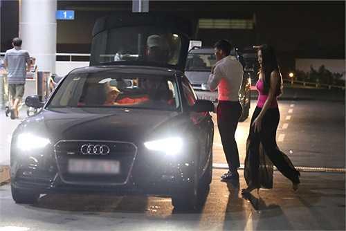 Thủy Tiên từng đưa Công Vinh ra sân bay Tân Sơn Nhất bằng chiếc Audi A5 Sportback.