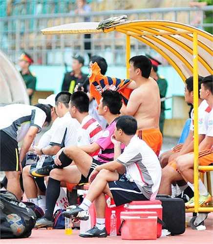 Hình ảnh ở trận V.Ninh Bình-Kitchee tại AFC Cup