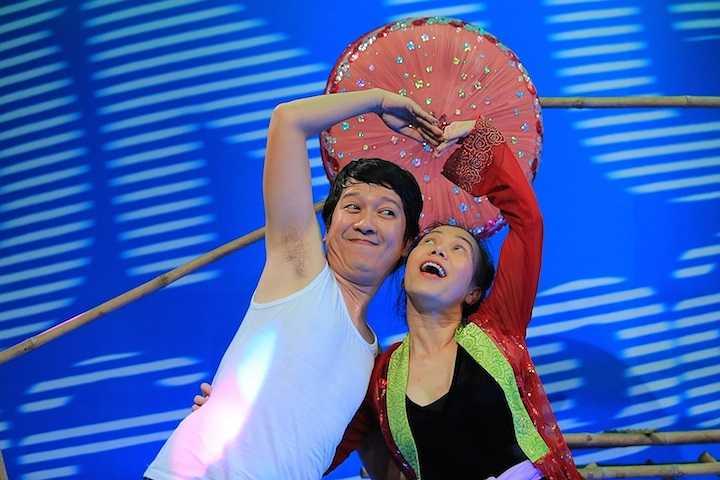 Một số hình ảnh hậu trường vô cùng hài hước của Hoài Linh, Việt Hương, Trấn Thành và các nghệ sỹ hài: