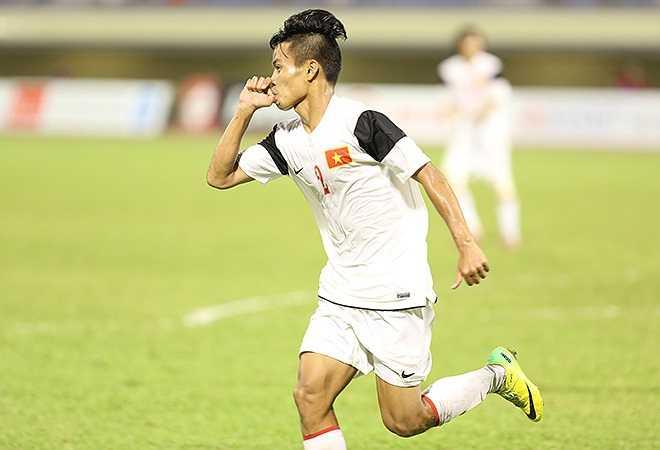 Tác giả của bàn thắng duy nhất là hậu vệ Văn Sơn. Anh đón quả đá phạt khôn ngoan của Xuân Trường để hạ gục thủ thành đối phương, trở thành người hùng của trận đấu.