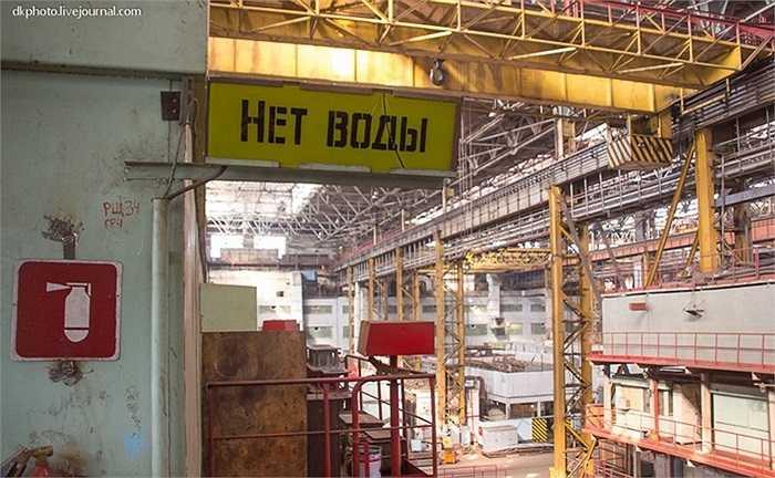 Bên trong xưởng đóng tàu chiến của hải quân Nga