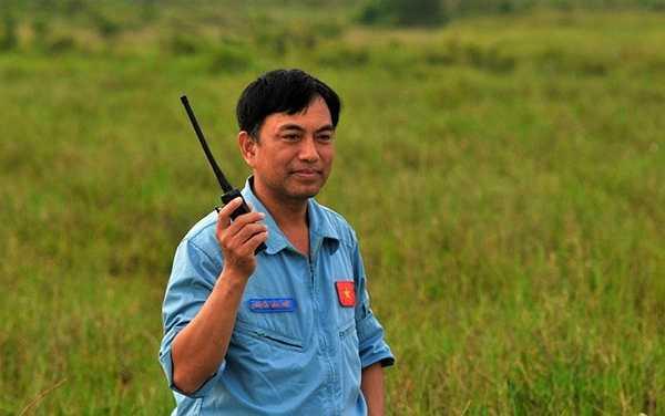 Ông Nguyễn Văn Hiệp - Phó Chỉ huy trưởng Trung tâm Quốc gia Huấn luyện tìm kiếm cứu nạn đường không, cho biết: Trung tâm thường xuyên tổ chức diễn tập, nhằm huấn luyện nâng cao trình độ nhảy dù cho cán bộ giáo viên, làm chủ các phương tiện khi tìm kiếm cứu nạn.