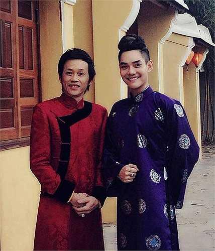 Nếu như sân khấu Gương mặt thân quen giúp Hoài Lâm tỏa sáng, thì cũng chính nơi đó khiến Cao Hữu Thiên bị 'ném đá' tơi bời.