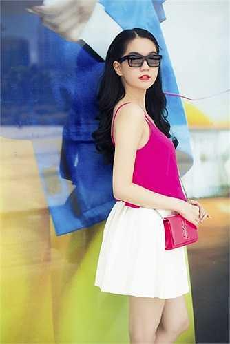 Từ một người mẫu nội y, Ngọc Trinh đã trở thành bà chủ của một cơ sở chăm sóc sắc đẹp và có cửa hàng thời trang lớn tại TP HCM.