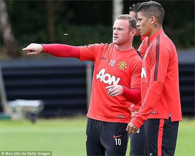 Cùng với đó còn có thủ quân Wayne Rooney