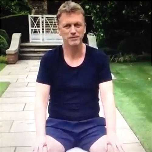 Trước đó, cựu HLV Man Utd, David Moyes cũng đã nhận lời tham dự Ice Bucket Challenge