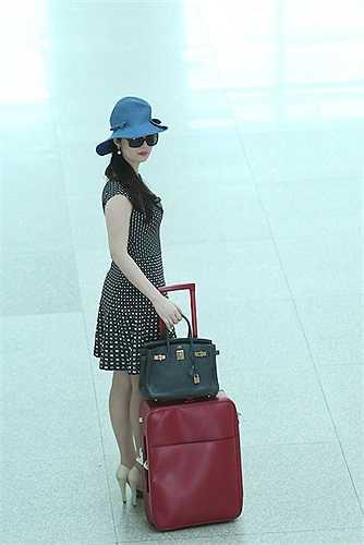 Hoa hậu đền Hùng Giáng My sẽ đảm nhận vai trò MC cho show diễn.