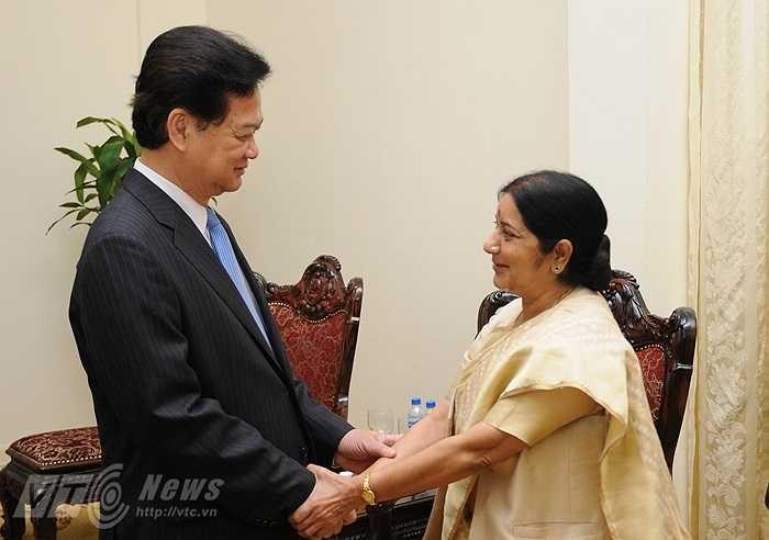 Sáng 25/8, Thủ tướng Nguyễn Tấn Dũng tiếp Bộ trưởng Ngoại giao Ấn Độ, bà Sushma Swaraj