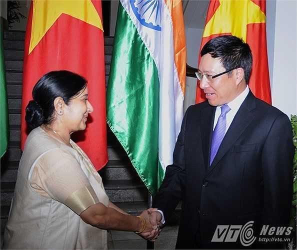 Trước đó, bà Sushma Swaraj đã gặp Phó Thủ tướng, Bộ trưởng Ngoại giao Phạm Bình Minh tại trụ sở Bộ Ngoại giao