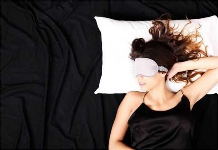 Một số khách sạn cao cấp thuê người ngủ chuyên nghiệp để thử nghiệm sự thoải mái của các phòng khách sạn và viết bài đăng lên blog. Ứng viên phải vượt qua hàng ngàn đối thủ mới có được công việc tuyệt vời này.