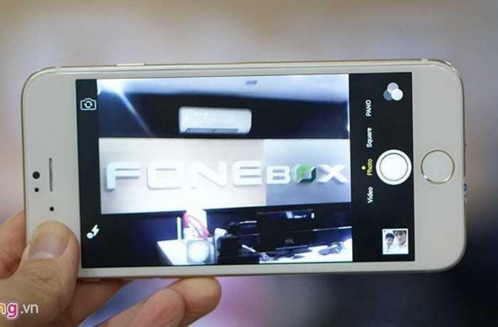 Vì sử dụng một phiên bản Android giả iOS, nên chiếc điện thoại này có giao diện các tính năng, ứng dụng giống hệt với iPhone thật.