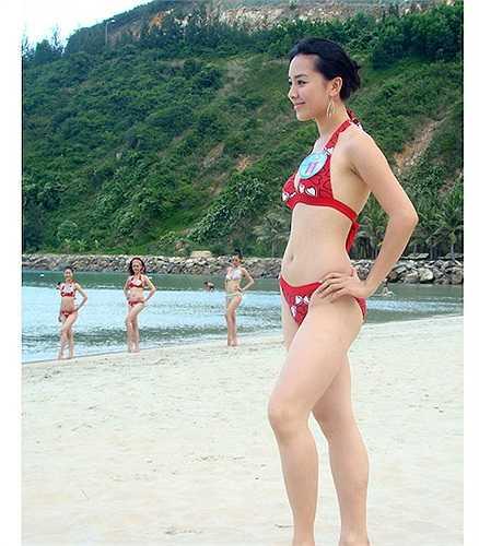 Dương Trương Thiên Lý được chú ý đến từ cuộc thi Hoa hậu Hoàn Vũ Việt Nam 2008. Năm này, Thùy Lâm đoạt vương miện Hoa hậu, Thiên Lý giành giải Á hậu 2.