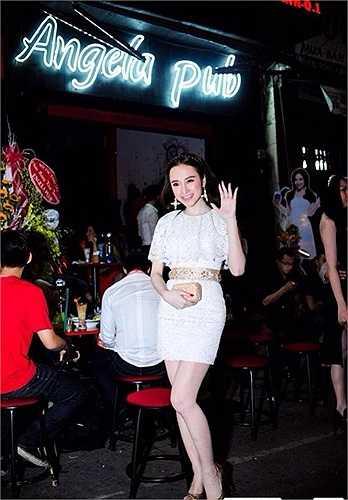 Ở đâu có Angela Phương Trinh, ở đó thu hút được dư luận