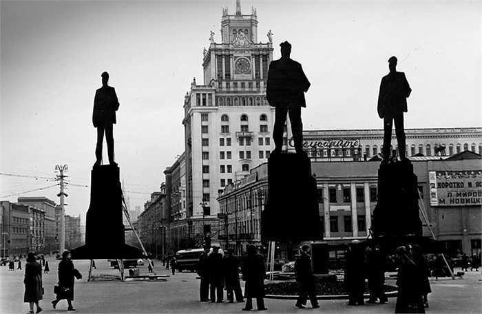 Người dân trên đường phố Matxcơva những năm 1960