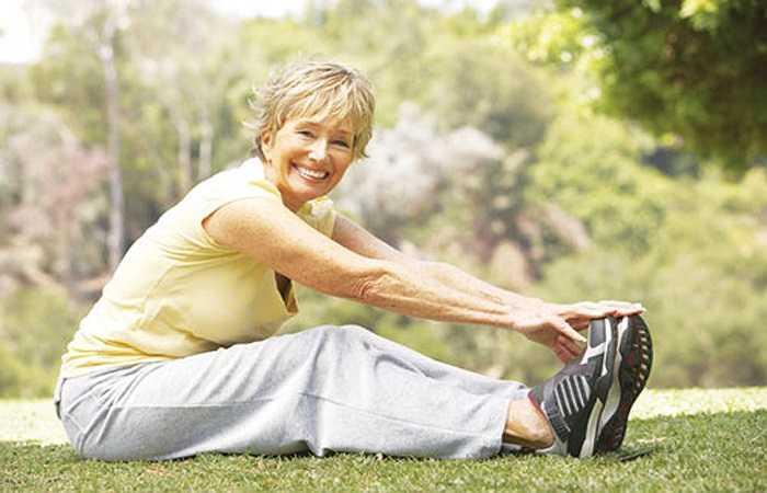 Cách tốt nhất để ngăn ngừa loãng xương tự nhiên là bạn cần được hoạt động và có một chế độ ăn uống phù hợp. Sau đây là chi tiết những biện pháp bạn có thể thực hiện để phòng ngừa loãng xương.
