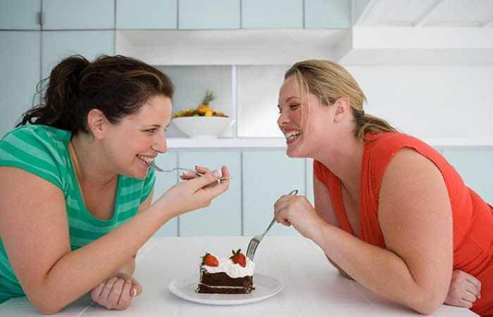 Kiểm soát cân nặng: Béo phì là người bạn tốt nhất của loãng xương. Vì vậy, bạn cần kiểm soát cân nặng của mình để xương không phải chịu nhiều áp lực từ trọng lượng cơ thể.