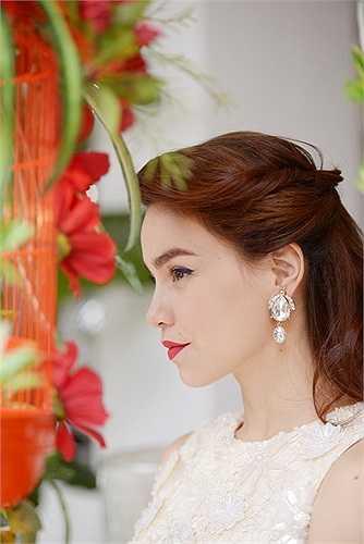 ...hay phần ngẫu hứng giữa Hồ Ngọc Hà và khách mời là nhạc sỹ Phương Uyên
