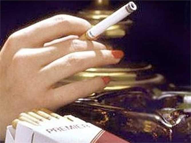 Thuốc lá không khói RJ Reynolds – 1989: Những năm 1980, RJ Reynolds đầu tư 325 triệu USD vào một sản phẩm mới, thuốc lá không khói do các chiến dịch chống hút thuốc ngày càng sôi nổi. Nhưng họ đã thất bại vì không ai mua sản phẩm này. Bốn tháng sau, sản phẩm này đã biến mất khỏi thị trường.