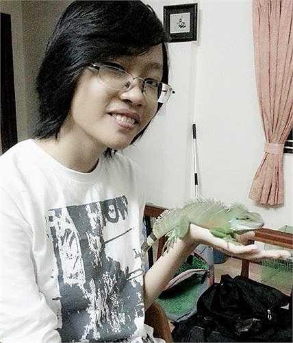 Tiếp đó, Minh bắt đầu mua thêm rồng Nam Mỹ (Iguana). 'Mình đặc biệt rất thích rồng Nam Mỹ bởi vẻ ngoài độc đáo của nó, nên tiếp tục mua thêm 2 con' – Minh cho biết.