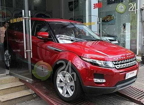 Sau Hồ Ngọc Hà, Tuấn Hưng là nghệ sỹ tiếp theo gia nhập hội những người sở hữu Range Rover Evoque.