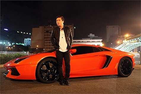Chiếc siêu xe siêu đắt đỏ này khiến dư luận ồn ào vì độ chịu chơi của chàng ca sỹ.