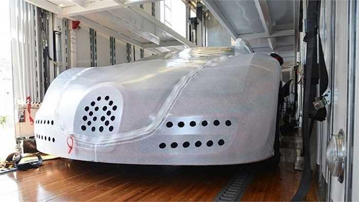 Một khách hàng đến từ San Diego, Mỹ đã đặt mua chiếc Bugatti Veyron L'Or Style Vitesse thông qua nhà phân phối có tên Symbolic Motor Car Company.