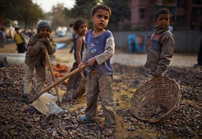 Tương lai của những đứa trẻ này luôn là một dấu chấm hỏi.