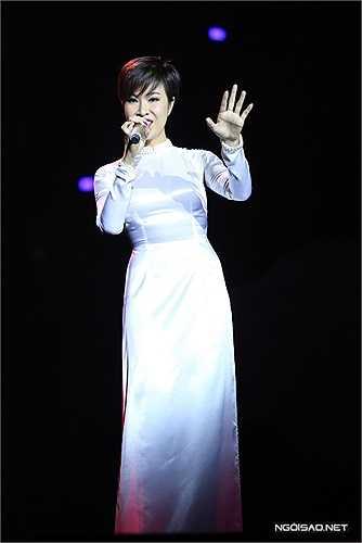 Uyên Linh được tán thưởng với 'Imagine' của John Lennon.