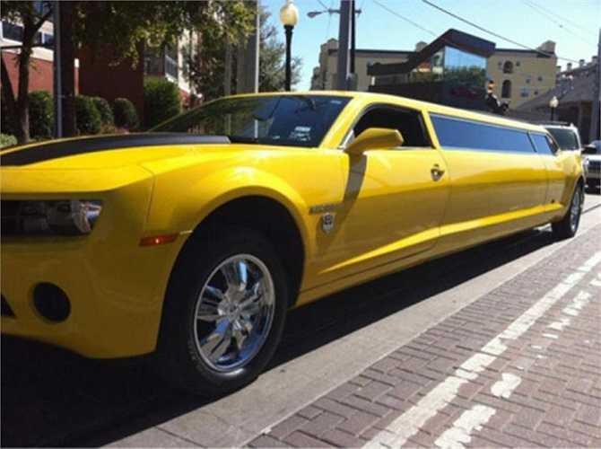 Bumblebee XXL, mẫu limo của hãng Chevy là chiếc xe phát triển từ ý tưởng dòng xe cơ bắp đặc trưng Mỹ, nhưng có thể chứa một tiểu đội bên trong. Trong xe có một dàn đèn laser, quầy rượu như một vũ trường thu nhỏ.