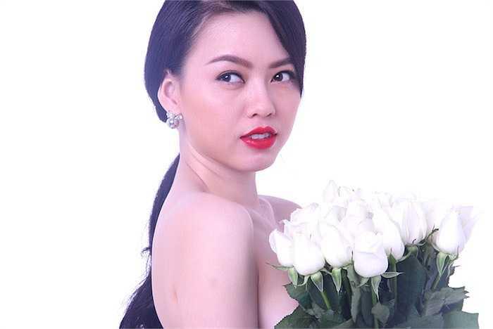 'Nữ hoàng sắc đẹp' sở hữu làn da trắng mịn màng đáng mơ ước.